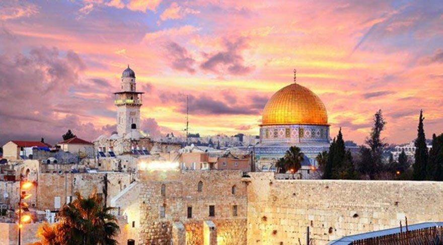 Fedakârlık Bekleyen Kudüs